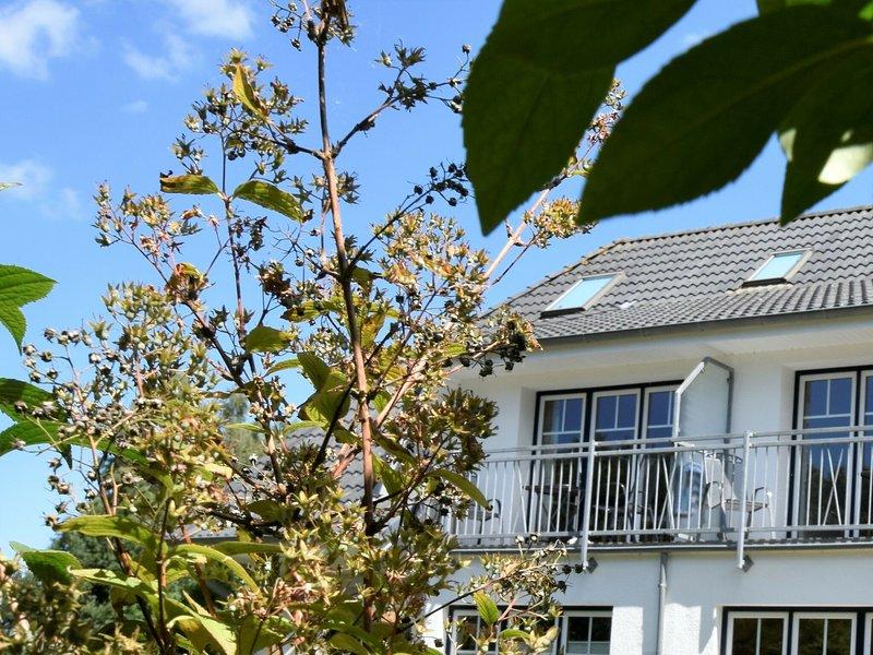 Spacious apartment in Graal-Müritz Germany with Balcony, holiday rental in Klockenhagen