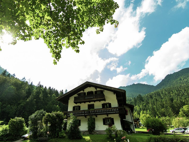 Pleasant apartment in Ruhpolding, Bavaria with swimming pool, vacation rental in Ruhpolding