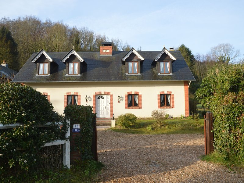 cottage in Etretat, 15min by walk from the sea, vakantiewoning in Saint-Jouin-Bruneval