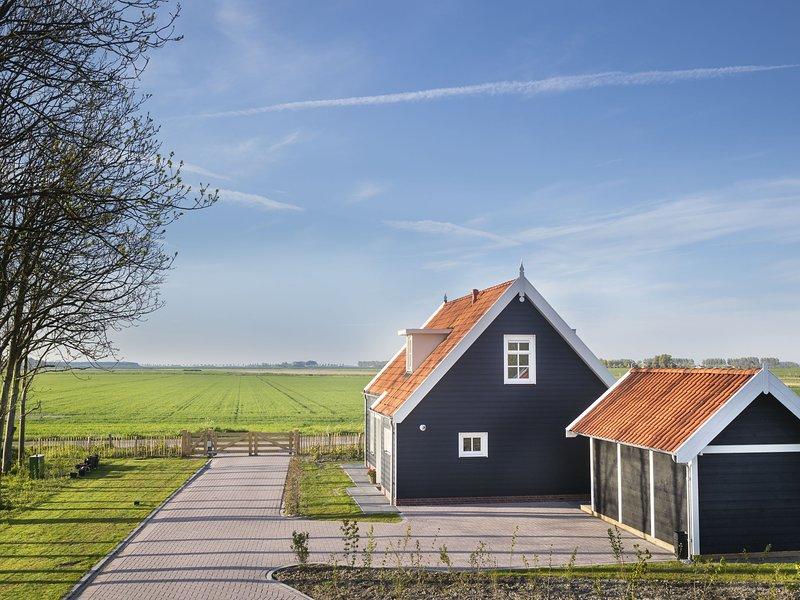 Rustic Holiday Home In Wissenkerke With Garden, holiday rental in Wissenkerke
