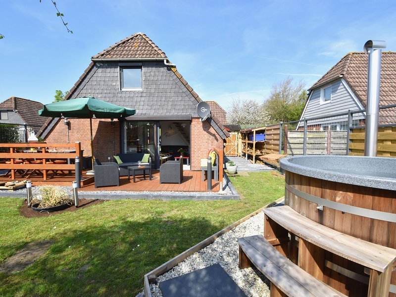 Cozy Cottage in Herkingen with Private Garden, vacation rental in Herkingen