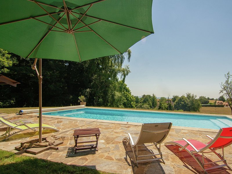 Modern Villa in Salagnac France With Private Swimming Pool, vacation rental in Juillac