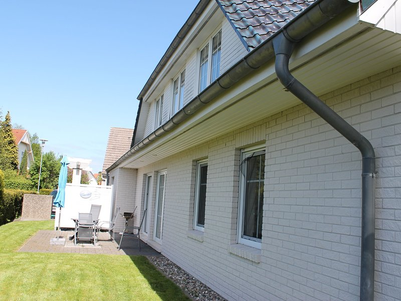 Modern Apartment in Zingst Germany with Terrace, vacation rental in Zingst