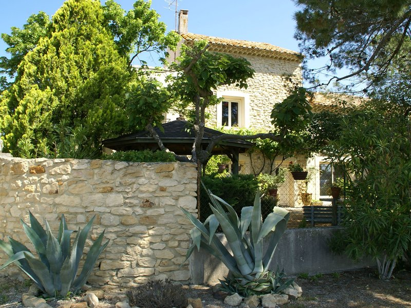 Extravagant Holiday Home in Piolenc with Private Pool, holiday rental in Piolenc