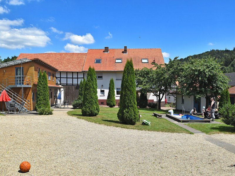 Serene Apartment in Hüddingen with Private Terrace, location de vacances à Hemfurth-Edersee