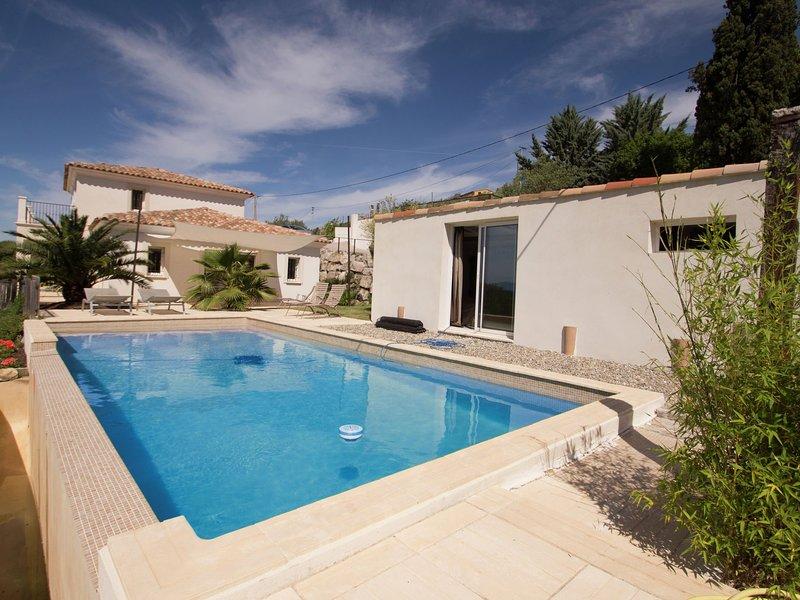 Stylish Villain Draguignan with Swimming Pool, aluguéis de temporada em Chateaudouble