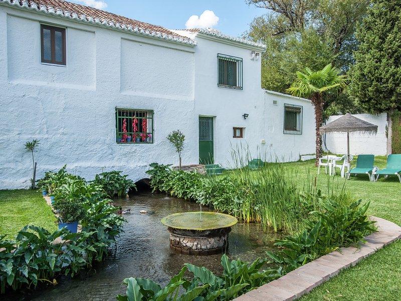 Rustic restored cortijo in Valle de Lecrín., vacation rental in Villamena