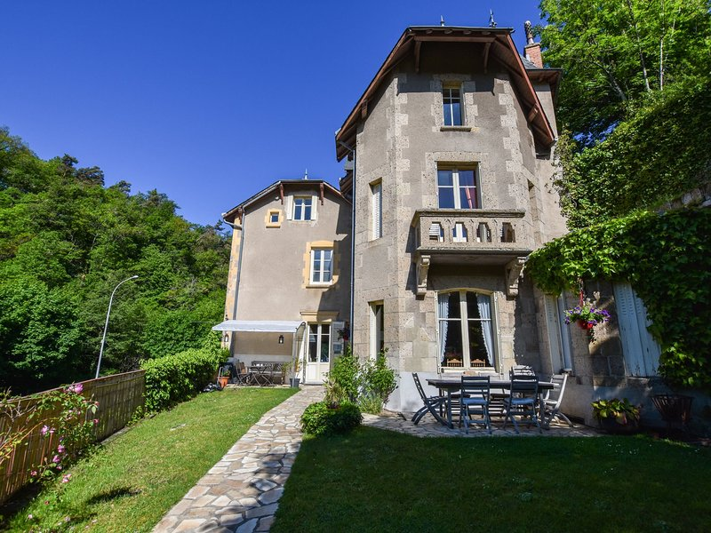 Cosy apartment in a beautiful Villa, holiday rental in Saint-Diery