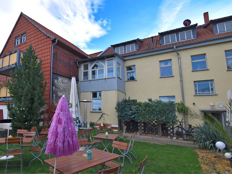Spacious Apartment in Ballenstedt  Harz near Lake, location de vacances à Gernrode