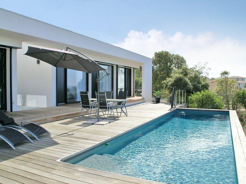 Spacious Villa in Albitreccia with Swimming Pool, casa vacanza a Pila-Canale