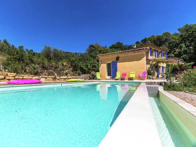 Quirky Villa in Contignac with a Private Pool, location de vacances à Sillans-la-Cascade