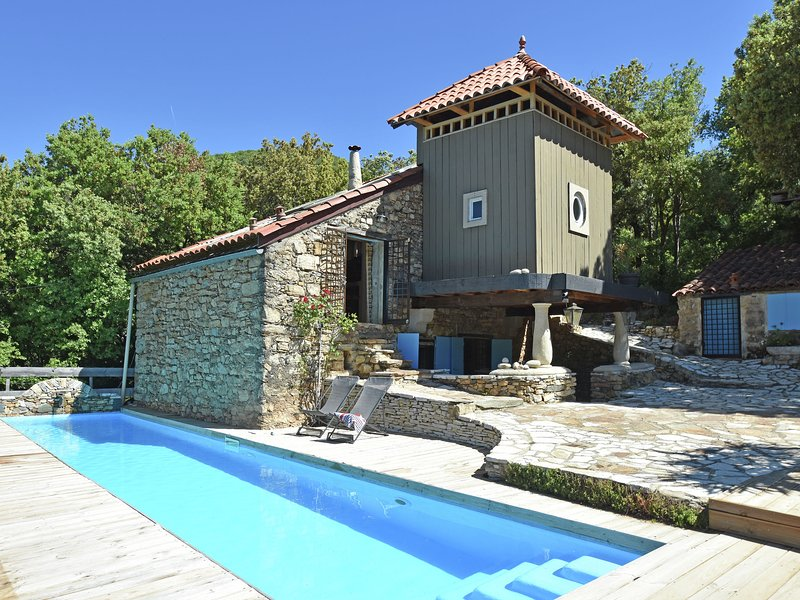 Stone Villa in Languedoc-Roussillon with private pool, holiday rental in Saint-Vincent-d'Olargues
