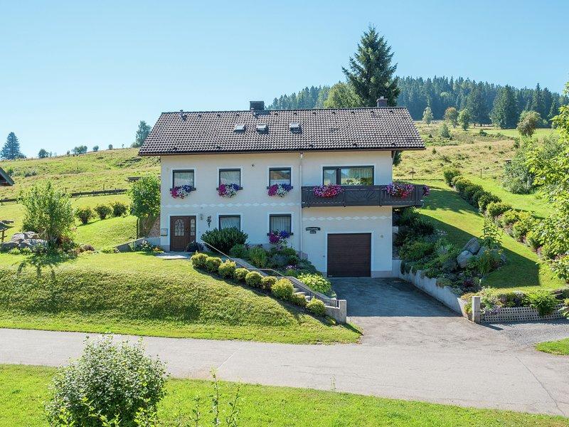 Alluring Apartment in Bernau im Schwarzwald With Valley View, holiday rental in Sankt Blasien