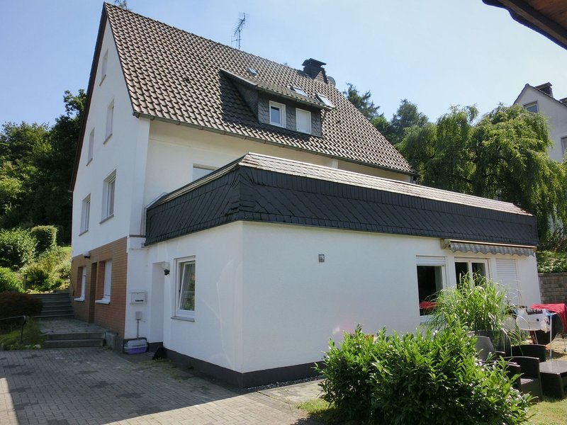 Holiday home in Sauerland - quiet setting, private entrance, terrace, garden, holiday rental in Assinghausen