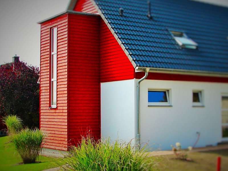 Spacious Holiday Home in Borgerende-Rethwisch with Terrace, holiday rental in Huetten