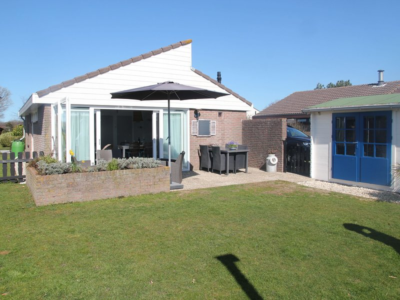 Luxury holiday home in Egmond aan den Hoef North Holland with garden, holiday rental in Egmond aan den Hoef