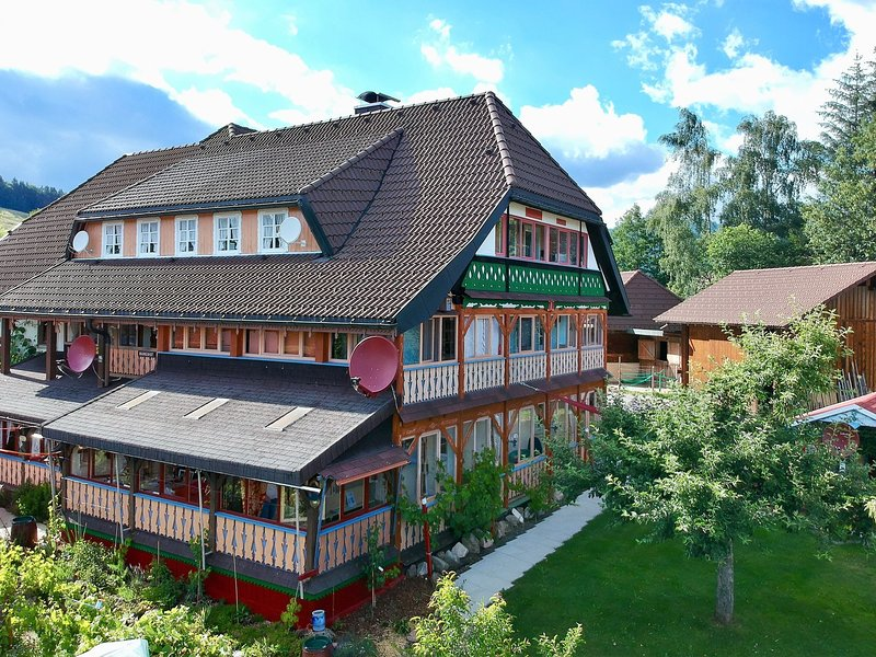 Peaceful Aparment in Baden-Württemberg with Balcony, location de vacances à Bernau im Schwarzwald