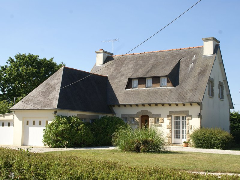 Detached holiday home with garden to get to know culture-filled North Brittany, alquiler de vacaciones en Henansal