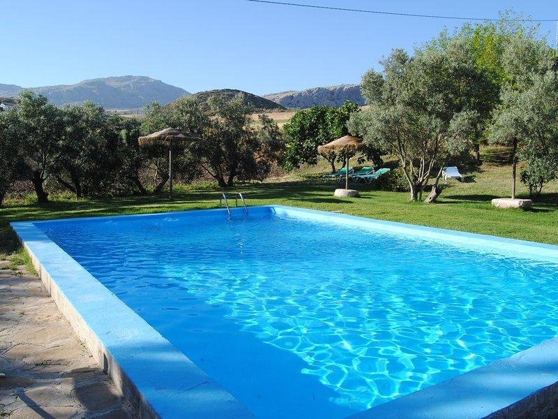 Cottage in Villanueva de la Concepción with Private Pool, location de vacances à La Joya