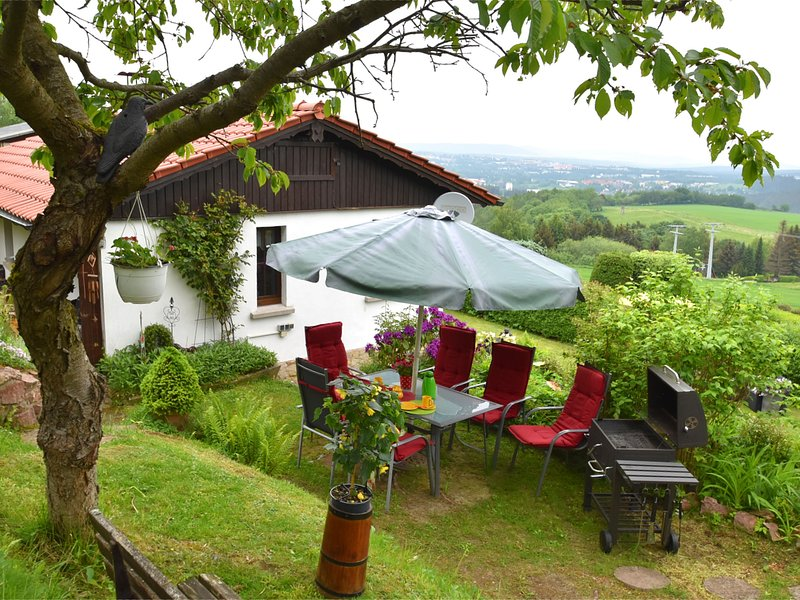 Detached holiday house in Thuringian Forest with garden and unique view, holiday rental in Frankenhain