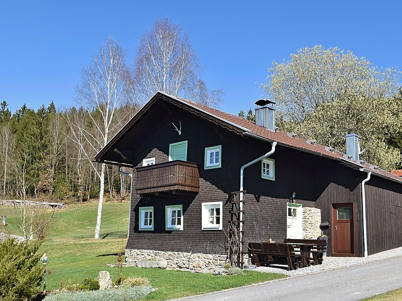 Comfortable detached holiday home in the Bavarian Forest, casa vacanza a Teisnach
