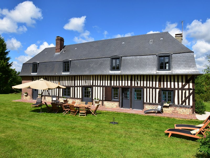 Charming Cottage  in Asnières with Terrace, aluguéis de temporada em Asnieres