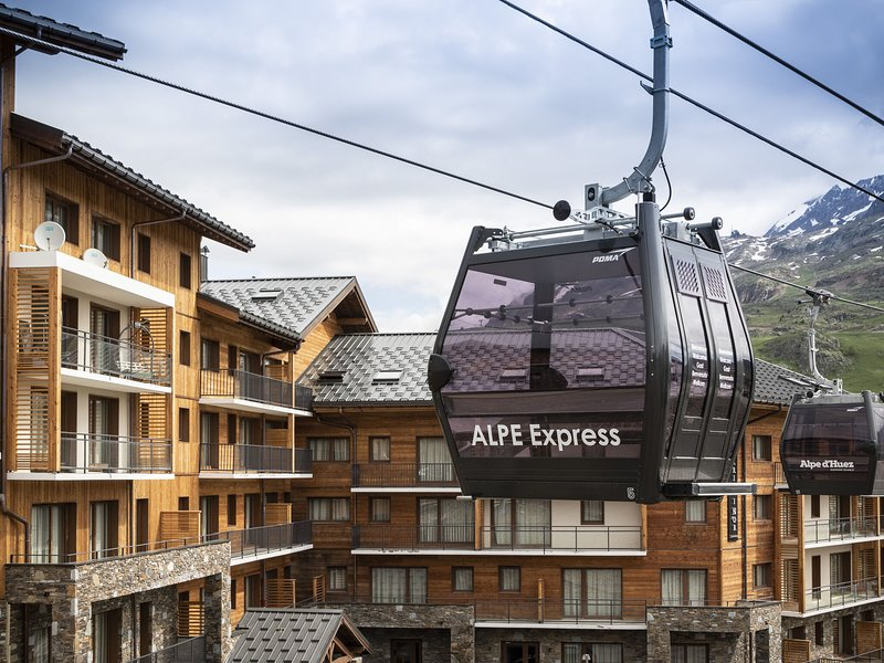 Alpe d'Huez accommodation chalets for rent in Alpe d'Huez apartments to rent in Alpe d'Huez holiday homes to rent in Alpe d'Huez