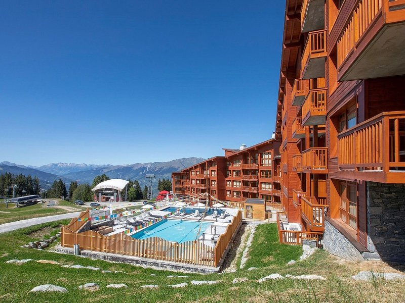 Luxury apartment with a view in the large Paradiski ski area Chalet in Les Arcs