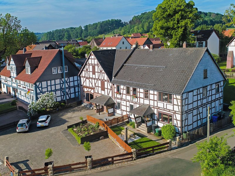Luxurious Apartment near Forest in Twistetal, holiday rental in Warburg