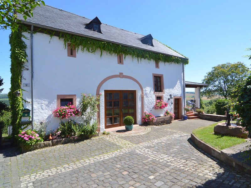 A beautiful, traditional holiday home surrounded by lovely scenery, holiday rental in Echternacherbrueck