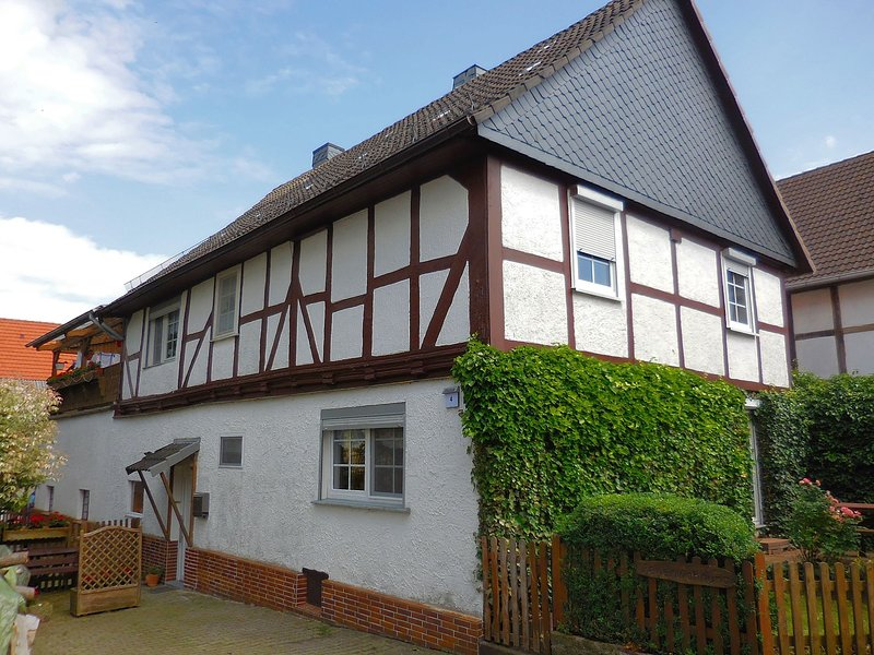 Small apartment in Hesse with terrace and garden, vacation rental in Neukirchen
