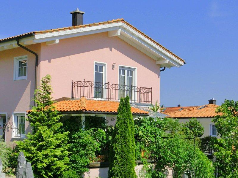 Luxurious Apartment in Deggendorf Bavaria near the River, holiday rental in Deggendorf