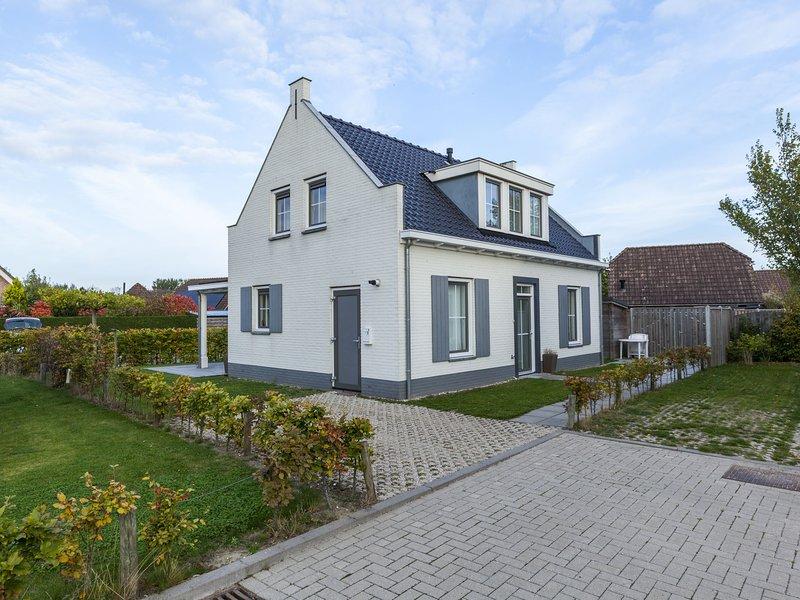 Detached Holiday Home in Wolphaartsdijk with a Small Park, alquiler vacacional en Geersdijk