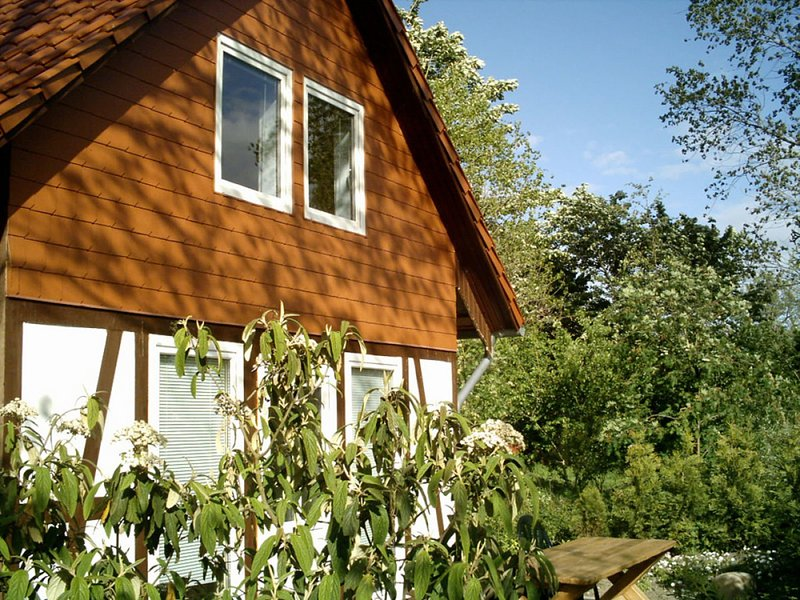 Charming Bungalow in Börgerende-Rethwisch with Sauna, holiday rental in Admannshagen-Bargeshagen