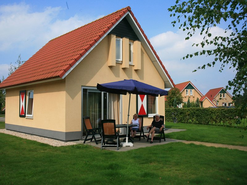 Comfortable holiday home with microwave surrounded by nature, holiday rental in Muntendam