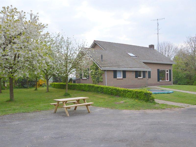 Cozy Holiday Home in Elsendorp with a Garden, casa vacanza a Elsendorp