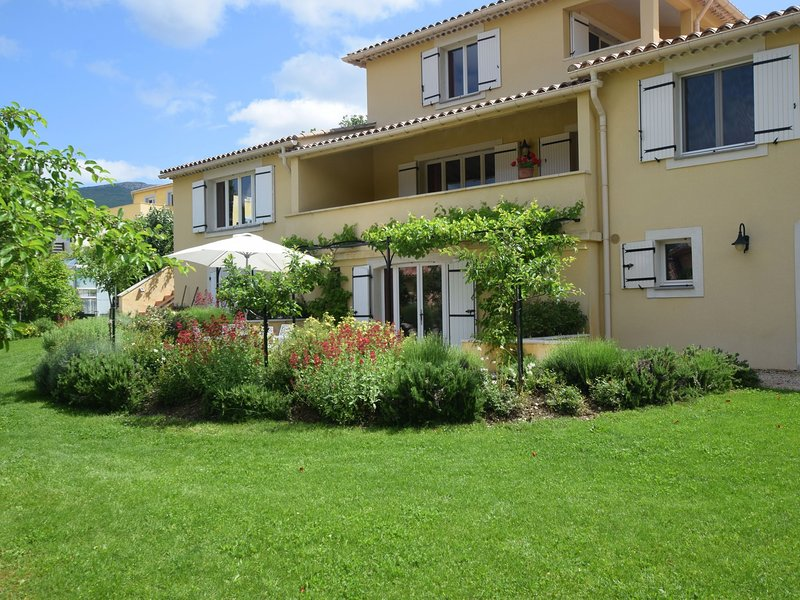 Fantastic Apartment in Montbrun-les-Bains with Balcony, vacation rental in Sault
