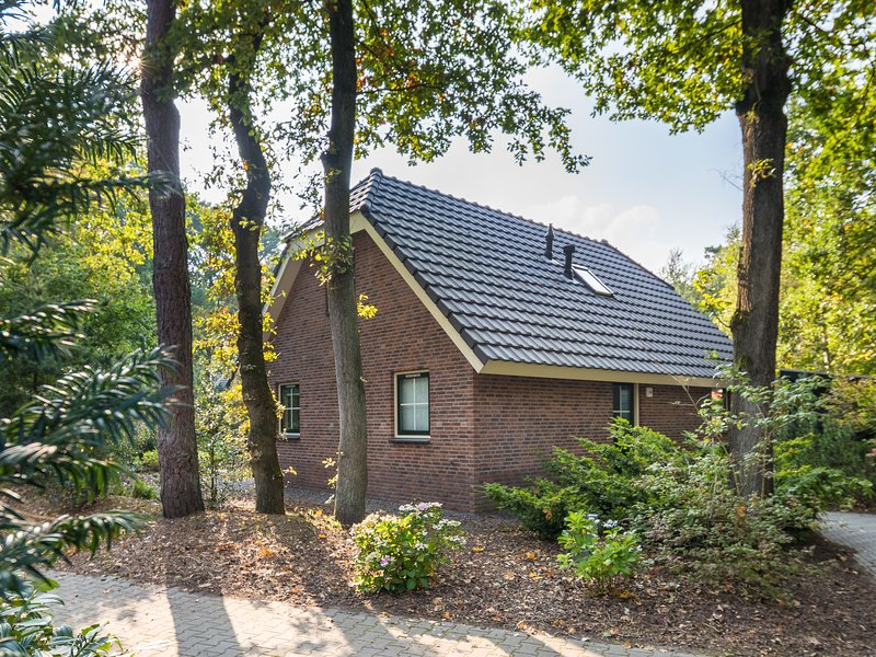 Detached holiday home with 2 bathrooms, in a nature reserve, Ferienwohnung in Spier