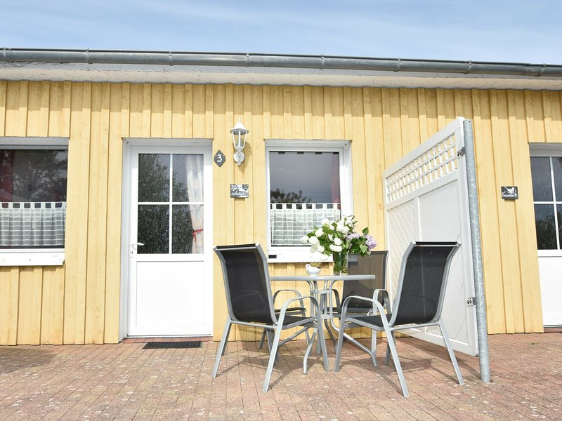 Brightly Furnished Apartment in Wiek on Baltic Coast, casa vacanza a Wiek