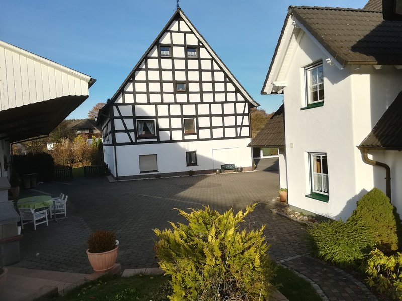 Attractive Apartment near Silbecke with beautiful garden – semesterbostad i Attendorn