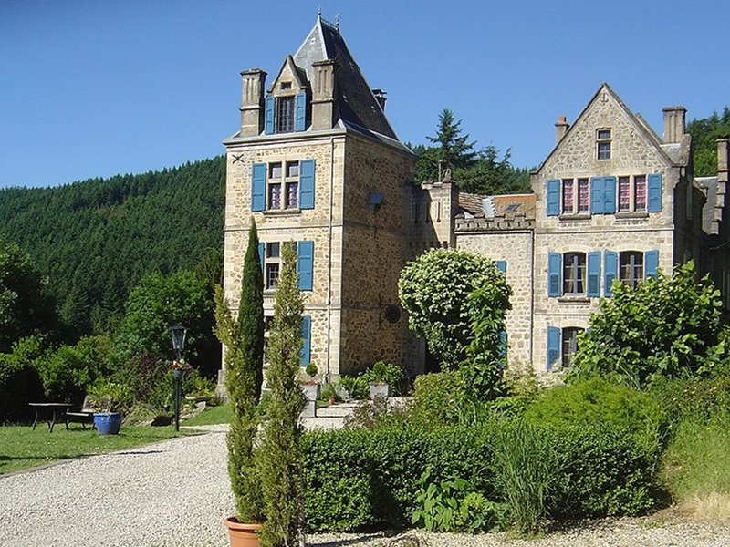 Luxury Holiday Home in Saint-Prix with Sauna, casa vacanza a Gluiras