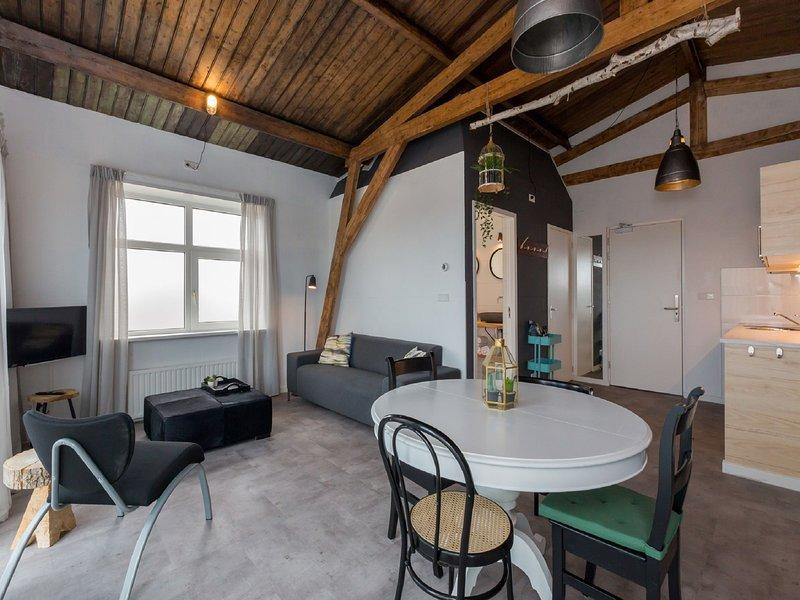 Lovely, modern, 4-person apartment in the heart of Koudekerke, location de vacances à Koudekerke