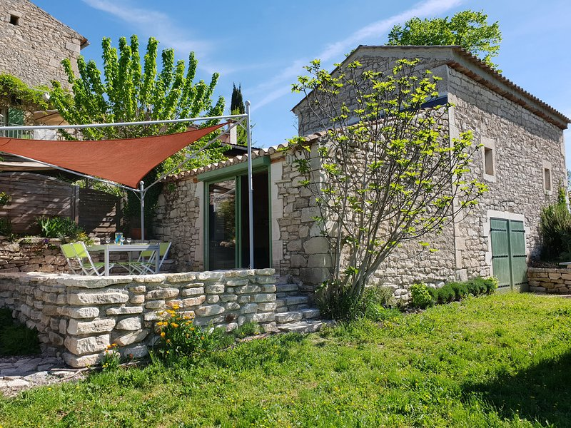 Luxurious Villa with Private Pool in Languedoc-Roussillon, vacation rental in Barjac