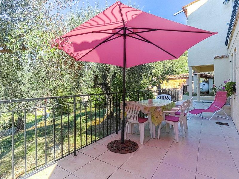 Neat house in Berre-les-Alpes (2 km) close to Nice and Monaco, aluguéis de temporada em Utelle