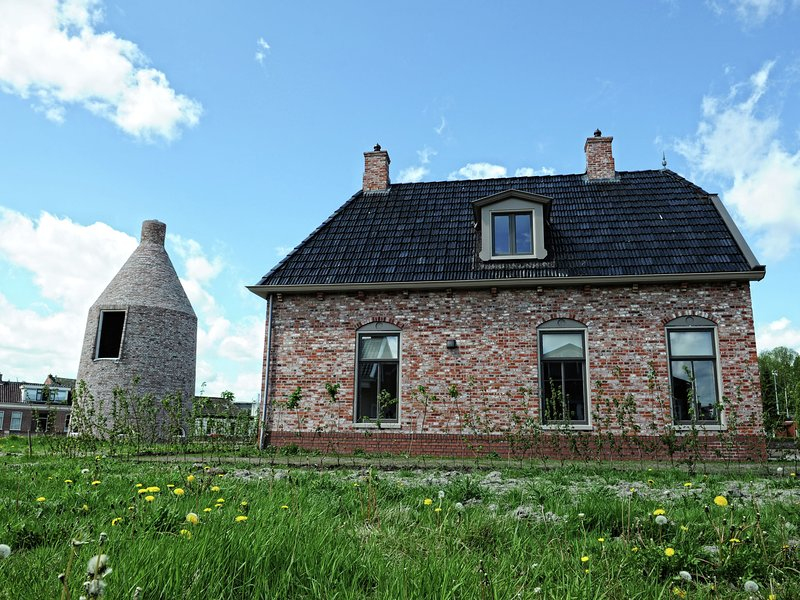 Heritage Holiday Home in Zoutkamp with Garden, vacation rental in Augustinusga