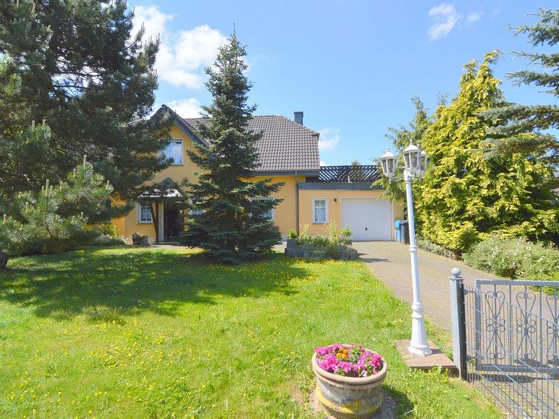 Striking Apartment in Buchet Germany near Lake, holiday rental in Prüm