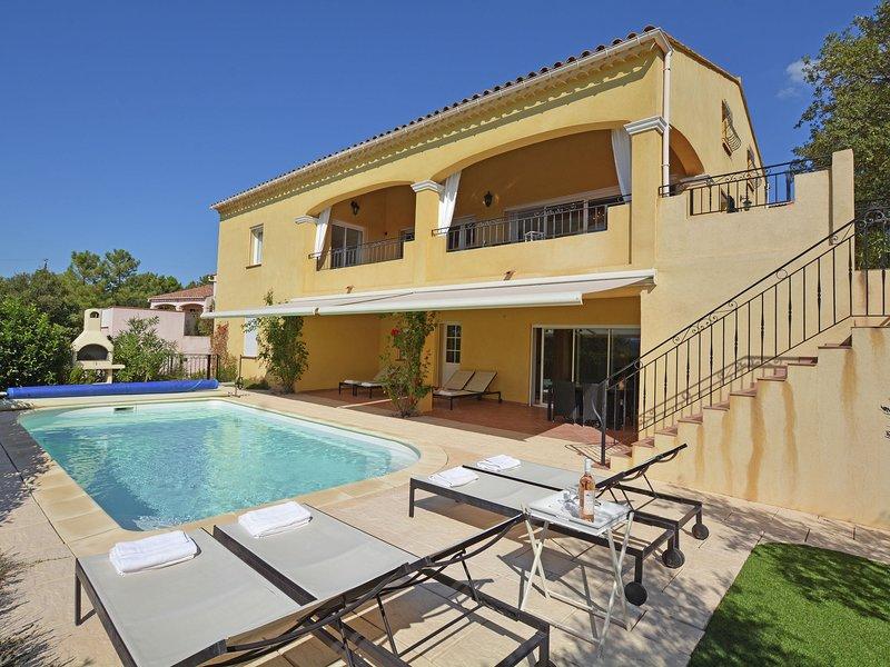 Beautiful Villa in Vidauban with Swimming Pool, location de vacances à Vidauban
