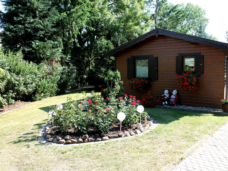 Farmhouse Bungalow in Neubukow lovely garden, aluguéis de temporada em Biendorf