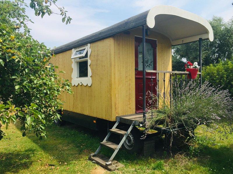 Holiday Home in Bergen op Zoom with Garden, holiday rental in Steenbergen