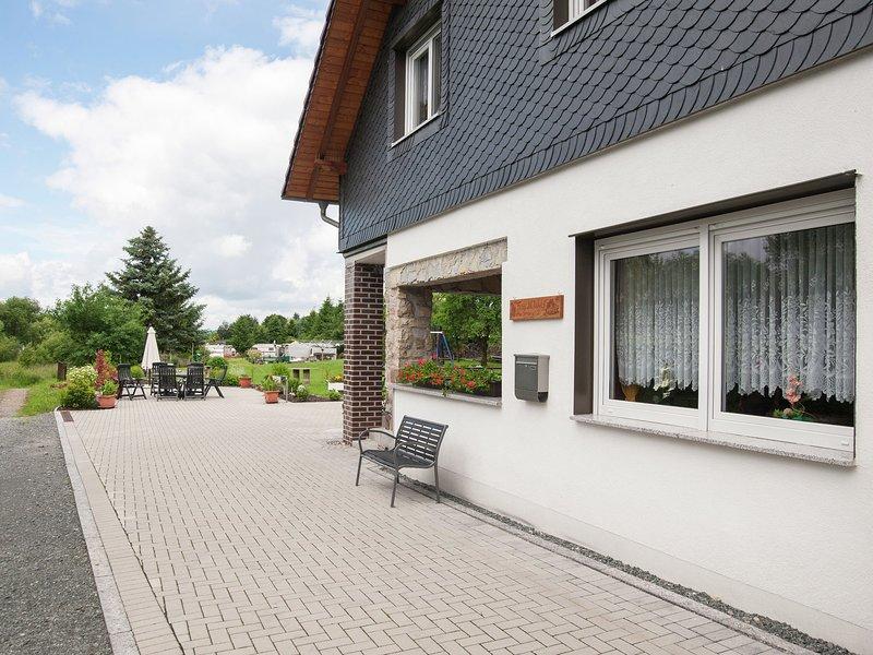Luxury Apartment in Schleusingen Thuringia near Lake, vacation rental in Grabfeld